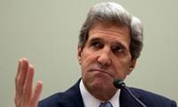 นายจอห์น แคร์รี่ รัฐมนตรีว่าการกระทรวงการต่างประเทศสหรัฐเดินทางไปเยือนอัฟกานิสถานโดยไม่