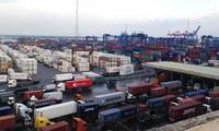 ท่าเรือไซง่อนเริ่มทำการผลิตในวันแรกของปีมะเมีย 2014