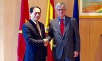 เวียดนามเป็นประธานการทาบทามความคิดเห็นทางการเมืองกับสเปน