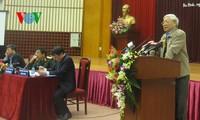 เลขาธิการใหญ่เหงียนฟู้จ่องลงพื้นที่พบปะกับผู้มีสิทธิ์เลือกตั้งกรุงฮานอย
