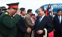 นายกรัฐมนตรีเหงียนซวนฟุ๊กเดินทางถึงกรุงพนมเปญ เริ่มการเยือนประเทศกัมพูชาอย่างเป็นทางการ