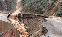 เตรียมพร้อมรับมือกับผลเสียหายจากเหตุฝนตกหนัก น้ำท่วมและดินถล่มในจังหวัดเขตเขาภาคเหนือเวียดนาม
