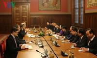 ขยายความร่วมมือการต่างประเทศระดับรัฐสภาและการทูตประชาชนระหว่างเวียดนามกับฮังการี