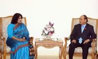 นายกรัฐมนตรีเหงียนซวนฟุ๊กให้การต้อนรับเอกอัครราชทูตบังกลาเทศ