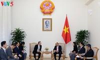 นายกรัฐมนตรีเวียดนามให้การต้อนรับประธานเครือบริษัทสื่อสาร Maekyung ของสาธารณรัฐเกาหลี