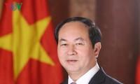 """ประธานประเทศเจิ่นด่ายกวาง: """"ส่งเสริมจิตใจแห่งความรักชาติ พัฒนาประเทศให้เจริญอย่างรวดเร็วและยั่งยืน"""