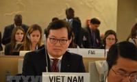เวียดนามเป็นเจ้าภาพจัดการเสวนาเกี่ยวกับบทบาทของเทคโนโลยีสารสนเทศในการผลักดันสิทธิทางเศรษฐกิจวัฒนธรรม