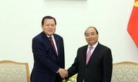 นายกรัฐมนตรีเหงียนซวนฟุ๊กให้การต้อนรับรองประธานกลุ่มบริษัท Lotte ของสาธารณรัฐเกาหลี