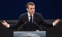 ประธานาธิบดีฝรั่งเศสยอมรับว่า การโจมตีทางอากาศใส่ซีเรียไม่สามารถแก้ไขปัญหาได้
