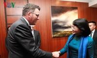 รองประธานประเทศดั่งถิหงอกถิงพบปะทวิภาคีกับผู้นำรัฐวิกตอเรีย ประเทศออสเตรเลีย