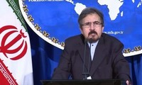 Iran rules out talks as US continues threats