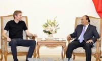 นายกรัฐมนตรีเหงียนซวนฟุ๊กให้การต้อนรับประธานกลุ่มบริษัท Zuzu ของนิวซิแลนด์