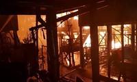 แบ่งเบาความเดือดร้อนกับชาวเวียดนามที่อาศัยในต่างประเทศหลังเหตุไฟไหม้ที่กรุงพนมเปญ