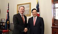 รองนายกรัฐมนตรีและรัฐมนตรีว่าการกระทรวงการต่างประเทศเวียดนามเยือนสหราชอาณาจักรและไอร์แลนด์เหนือ
