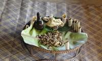 มาด่งโมลิ้มลองขนมอากว๊าด ขนมแห่งความรักของชนกลุ่มน้อยเผ่าต่าโอย