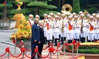 สร้างพลังขับเคลื่อนใหม่ให้แก่ความสัมพันธ์หุ้นส่วนยุทธศาสตร์ในทุกด้านระหว่างเวียดนามกับอินเดีย