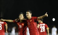 ทีมฟุตบอลเวียดนามเอาชนะฟิลิปปินส์ 2-1 ในการแข่งขัน AFF Suzuki Cup 2018 รอบรองชนะเลิศ