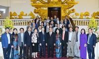 นายกรัฐมนตรีพบปะกับองค์กรวางผังพัฒนาตัวเมืองเวียดนาม