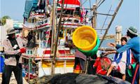 อียูยกเลิกใบเหลืองต่อประเทศไทยเรื่องทำประมงอย่างผิดกฎหมาย