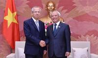 รองประธานสภาแห่งชาติเวียดนาม อวงจูลิว ให้การต้อนรับคณะผู้แทนศาลฎีกาไทย