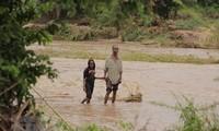 พายุ Idai ส่งผลให้ประชาชนโมซัมบิกอย่างน้อย 15,000 คนถูกตัดขาดจากโลกภายนอกเนื่องจากเหตุน้ำท่วม