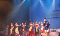 งานมหกรรมดนตรีอาเซียน 2019 – ราตรีหลากหลายสีสัน