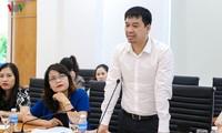 """สถานีวิทยุเวียดนามและคณะกรรมการประชาชนจังหวัดกว๋างนิงห์หารือเกี่ยวกับการจัด """"การประกวดเสียงเพลงอาเซียน +3"""""""