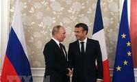 ประธานาธิบดีรัสเซีย วลาดีเมียร์ ปูติน เยือนประเทศฝรั่งเศสอย่างเป็นทางการ