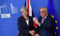 British PM seeks breakthroughs in Brexit deal