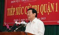 Chủ tịch nước Trương Tấn Sang tiếp xúc cử tri thành phố Hồ Chí Minh