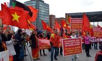 Biểu tình tại Berlin phản đối Trung Quốc quân sự hóa Biển Đông