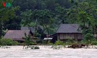 Thủ tướng yêu cầu khẩn cấp ứng phó với mưa lũ ở miền Trung
