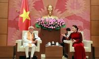 Chủ tịch Quốc hội Nguyễn Thị Kim Ngân tiếp Chủ tịch Ủy ban đoàn kết Ấn Độ-Việt Nam bang Tây Belgan