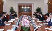 Đoàn đại biểu cấp cao Đảng Hành động nhân dân Singapore cầm quyền thăm Việt Nam