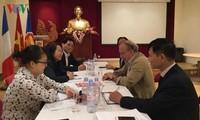 Đoàn Ban Tuyên giáo Trung ương trao đổi công tác quản lý báo chí điện tử và văn hóa tai Pháp