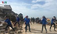 Các địa phương huy động nhiều lực lượng giúp dân khắc phục hậu quả bão số 10