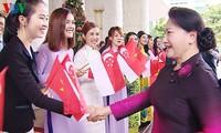 Chủ tịch Quốc hội Nguyễn Thị Kim Ngân thăm Singapore, gặp mặt cộng đồng người Việt tại đây