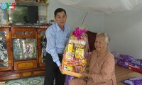 Nhiều hoạt động thiết thực chăm lo cho người nghèo và gia đình chính sách  dịp Tết Mậu Tuất