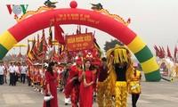 Số lượng du khách, đặc biệt là kiều bào về Đền Hùng ngày một tăng