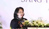 Phó Chủ tịch nước Đặng Thị Ngọc Thịnh dự Diễn đàn Doanh nhân nữ trong Thế kỷ 21