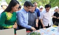 Phó Thủ tướng Vũ Đức Đam dự phát động tuyên truyền sản xuất kinh doanh thực phẩm sạch