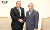 Thủ tướng Nguyễn Xuân Phúc tiếp tân Đại sứ Cộng hòa Ả-rập Ai Cập và Đại sứ Sudan
