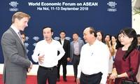 Thủ tướng Chính phủ Nguyễn Xuân Phúc kiểm tra công tác chuẩn bị Hội nghị WEF-ASEAN 2018