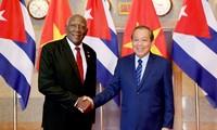 Làm sâu sắc hơn nữa mối quan hệ hợp tác toàn diện Việt Nam - Cuba