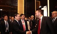 Phó Thủ tướng Vương Đình Huệ gặp mặt lãnh đạo một số Tập đoàn tài chính