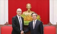 Trưởng Ban Kinh tế Trung ương Nguyễn Văn Bình tiếp Lãnh đạo các tập đoàn Facebook, Apple, Coca Cola