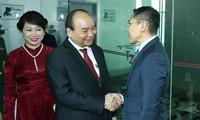 Thủ tướng đến Singapore, bắt đầu chương trình dự HNCC ASEAN 33