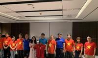 Đại sứ Việt Nam tại Myanmar tới thăm và động viên đội tuyển bóng đá quốc gia