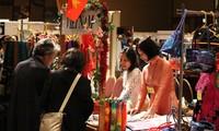 Việt Nam tham gia hội chợ từ thiện tại Nhật Bản
