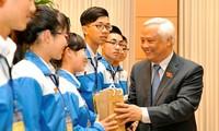 Gặp gỡ 82 học sinh tham gia vòng chung kết cuộc thi Tự hào Việt Nam